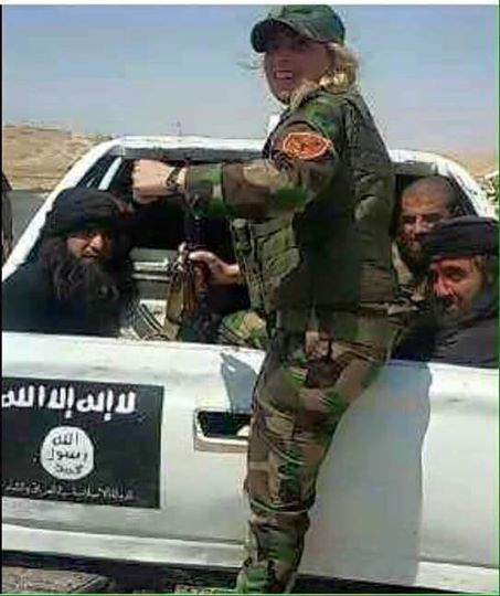 سه موش داعشی در چنگال شیر زن کرد + تصویر