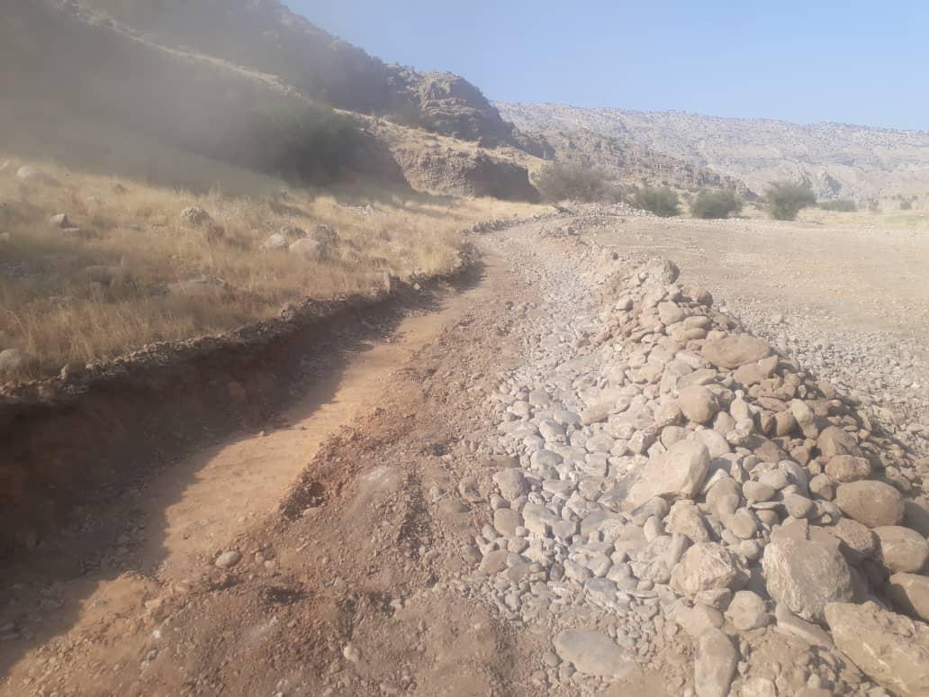 مارون خروشان نتوانست سد راه بنیاد علوی در خدمت رسانی به موگر شود/ آغاز احداث ۳۵۰ متر کانال آبرسانی کشاورزی در زادگاه شهید طیب +تصاویر