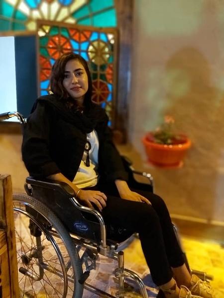 روایت دردناک زندگی یک دختر بر روی ویلچر